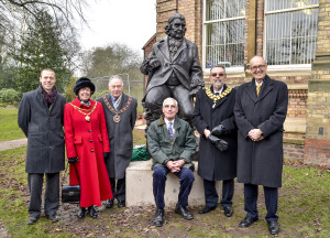 Unveiling Of Darwin Statue